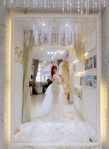 Khởi My diện bộ váy cưới đính 8.000 viên pha lê đốn tim fan rầm rầm