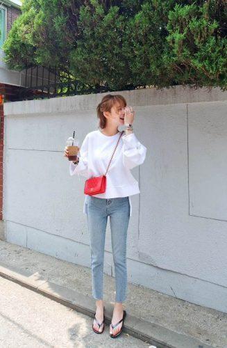 Áo thun và quần Jean tạo cảm giác thoải mái và tự tin