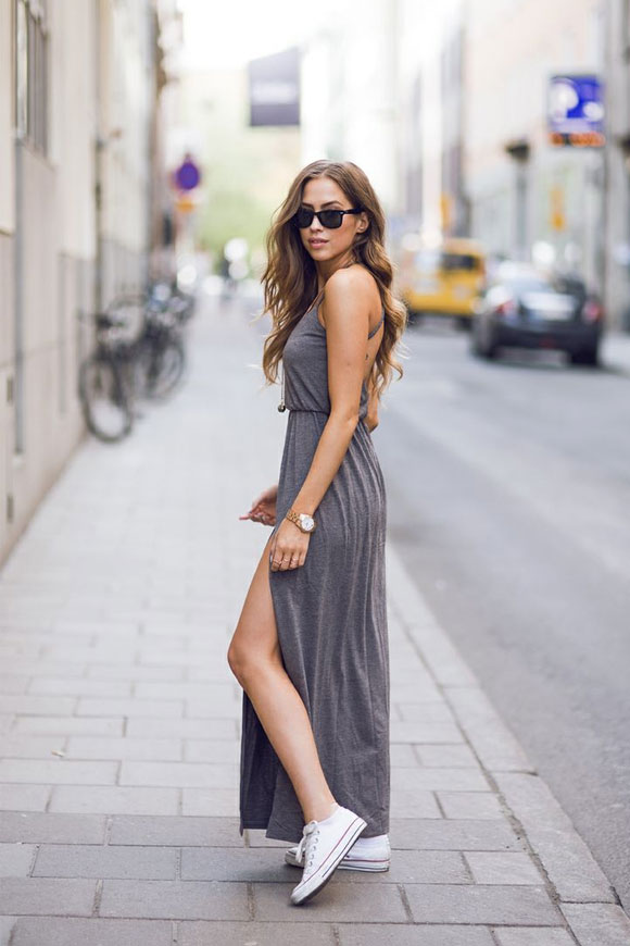 cách kết hợp giày sneaker & váy nữ