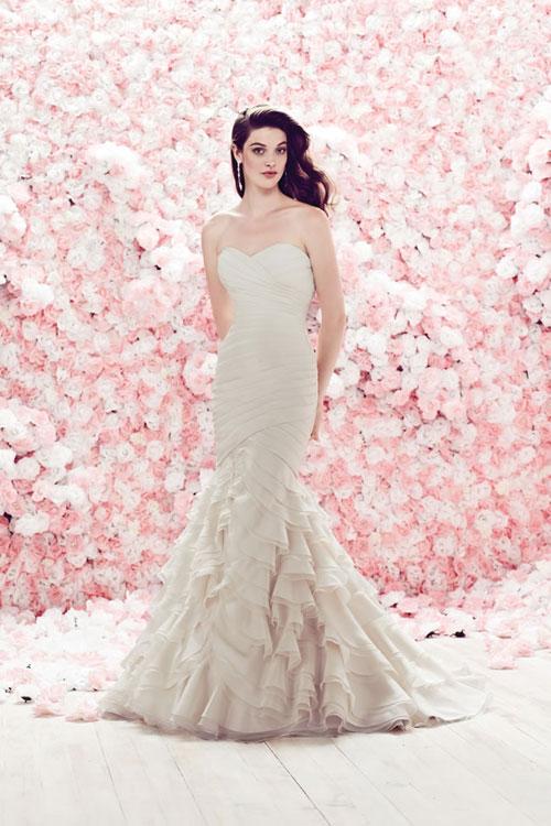 váy cưới cho cô dâu cổ điển cổ điển