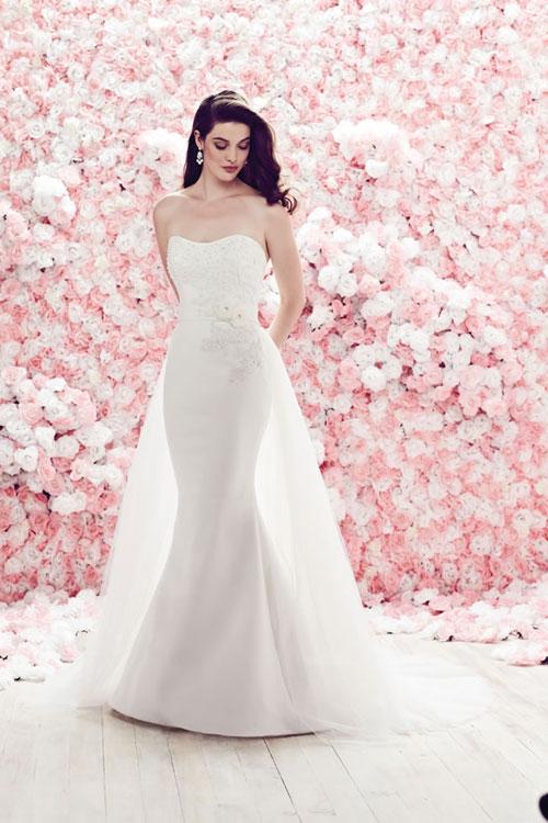 váy cưới cho cô dâu cổ điển