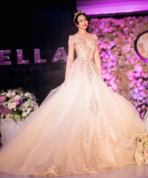 xu hướng váy cưới trễ vai