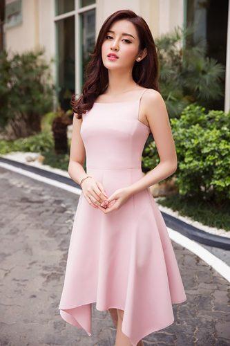 Những bộ váy màu hồng xinh xắn nhất cho mùa hè 2017