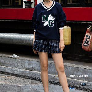 """Giới trẻ Hàn sẽ lại """"hạ gục"""" bạn với street style đơn giản nhưng cực chất"""