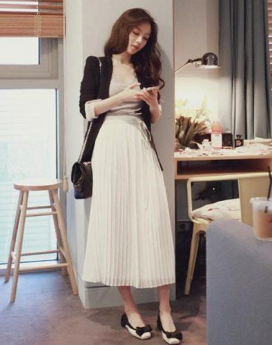 Những trang phục giúp nàng công sở giấu nhẹm đôi chân cong