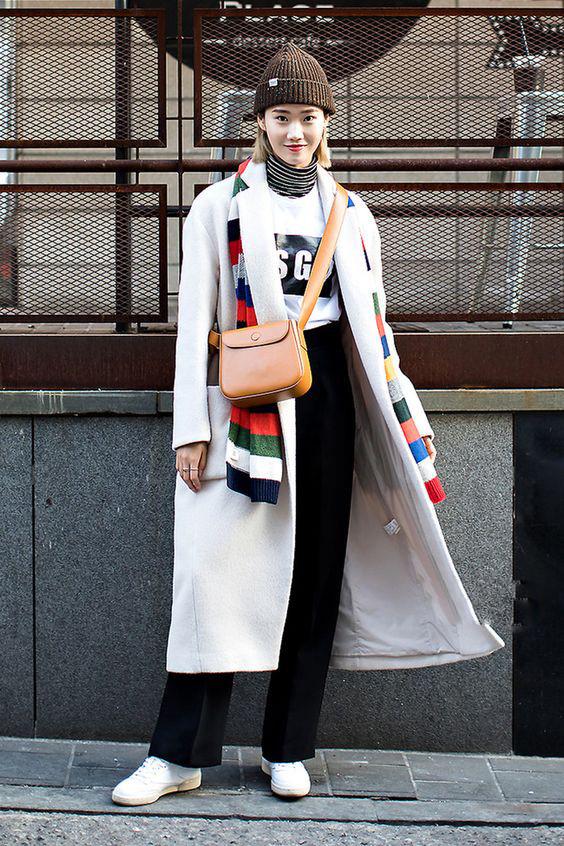 Hot cùng cách mix trang phục với túi xách đeo chéo